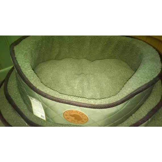 Luxury Country Green Fleece Dog Bed